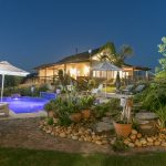 Knysna Guest House Poolhouse pool & garden