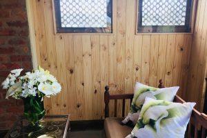 Knysna Swedish massage reiki therapy room